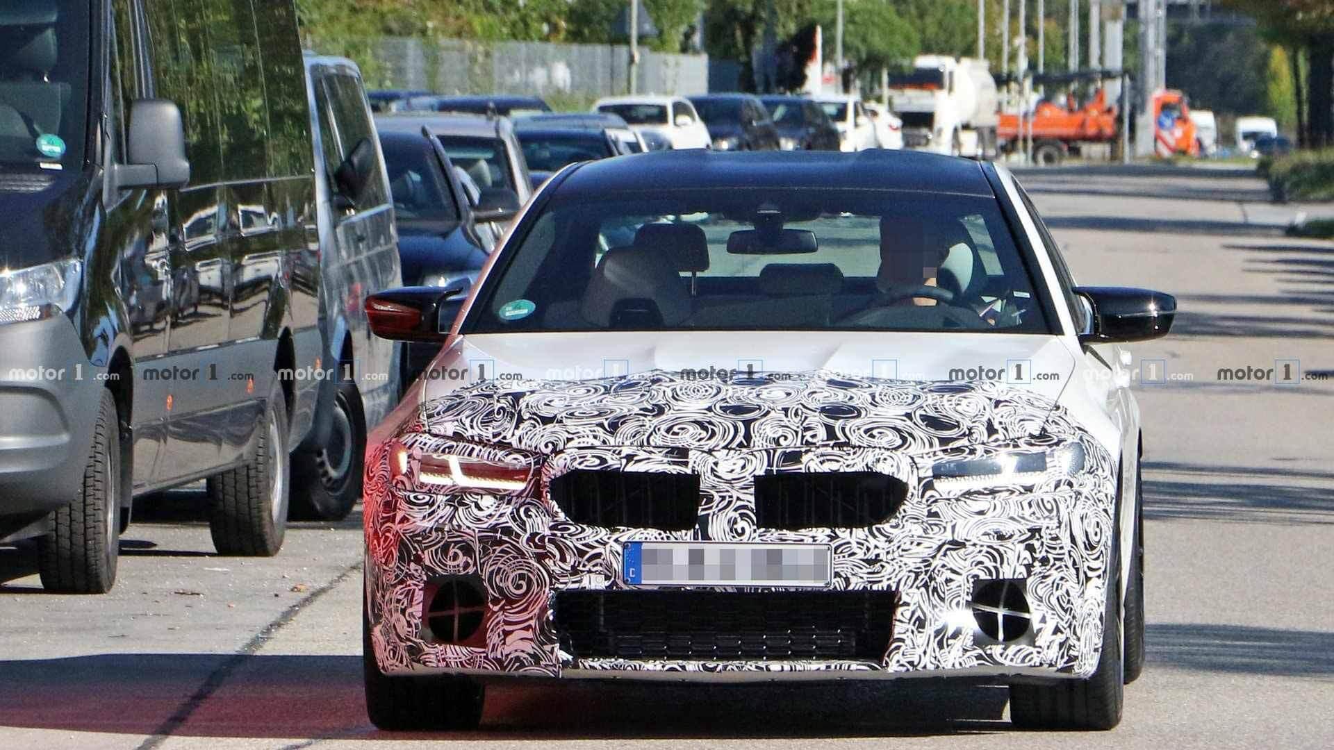 BMW представит обновленный BMW M5 в июне