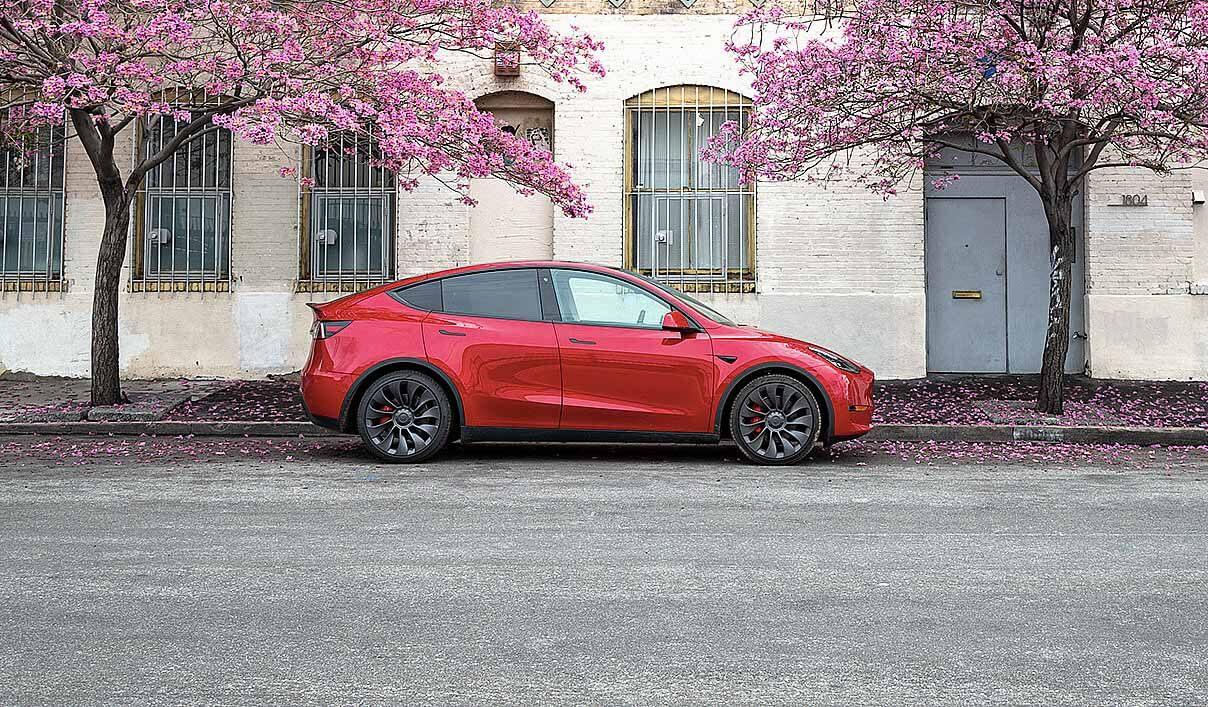 Эдмундс подтверждает основной потенциал Tesla Model Y: «чрезвычайно убедительный автомобиль»