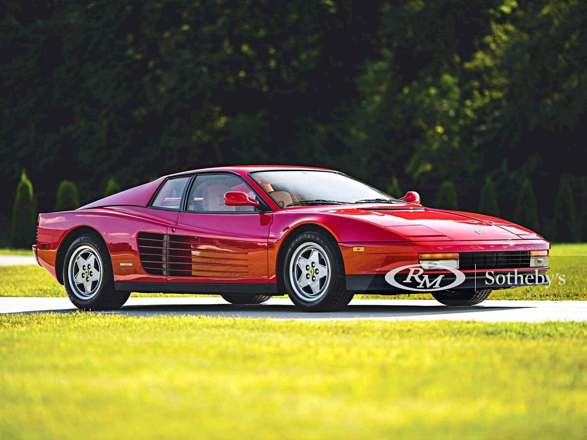 Легендарный Ferrari Testarossa с небольшим пробегом выставлен на продажу
