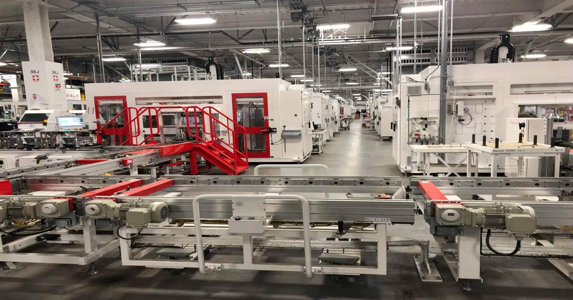 Tesla заключает сделку с южнокорейским гигантом Hanwha Corporation