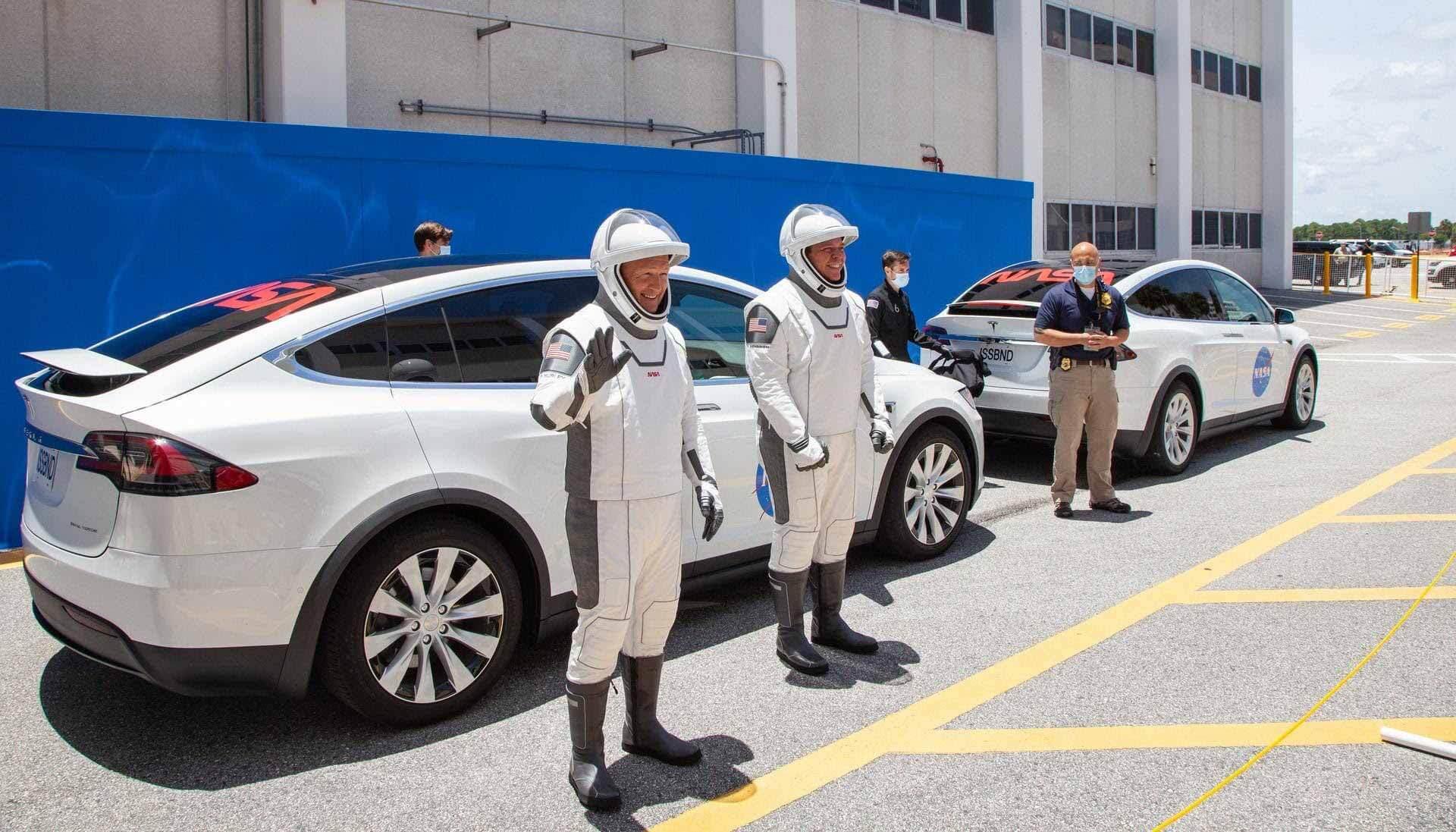 SpaceX и NASA завершают одну генеральную репетицию перед историческим запуском