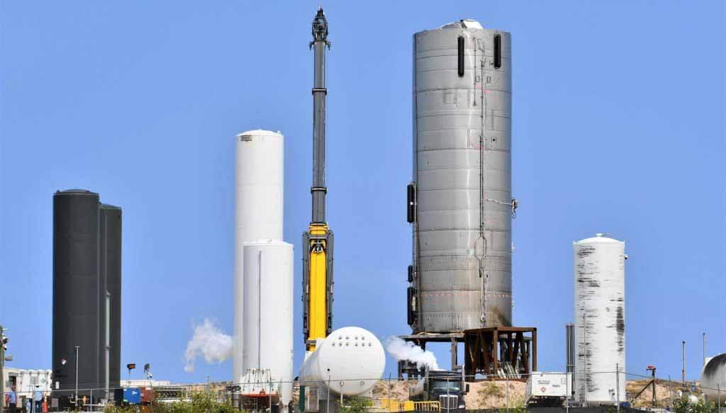 SpaceX запускает часы двигателя звездолета Raptor Огромный нормативный рубеж
