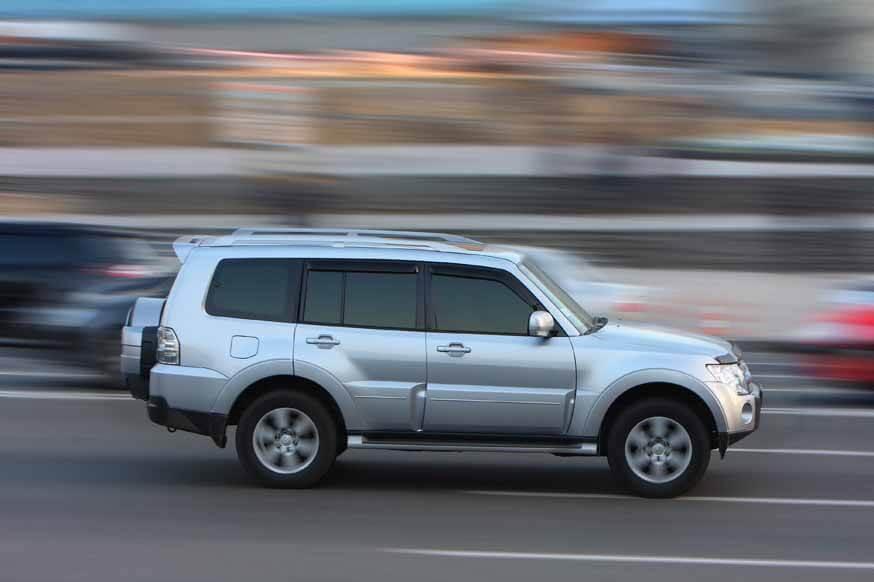 Регулярные поправки: штраф за оставленные автомобили и парковку на газоне, а за превышение - предыдущий