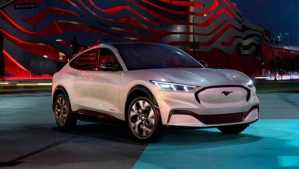 Ford будет оснащать electrocreaser Форд Мустанг автопилот