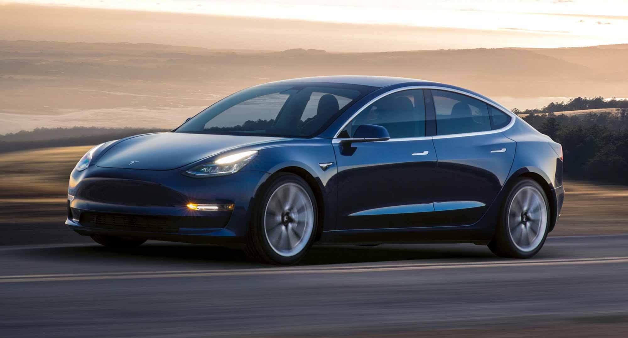 Электромобили Tesla получат новые аккумуляторы