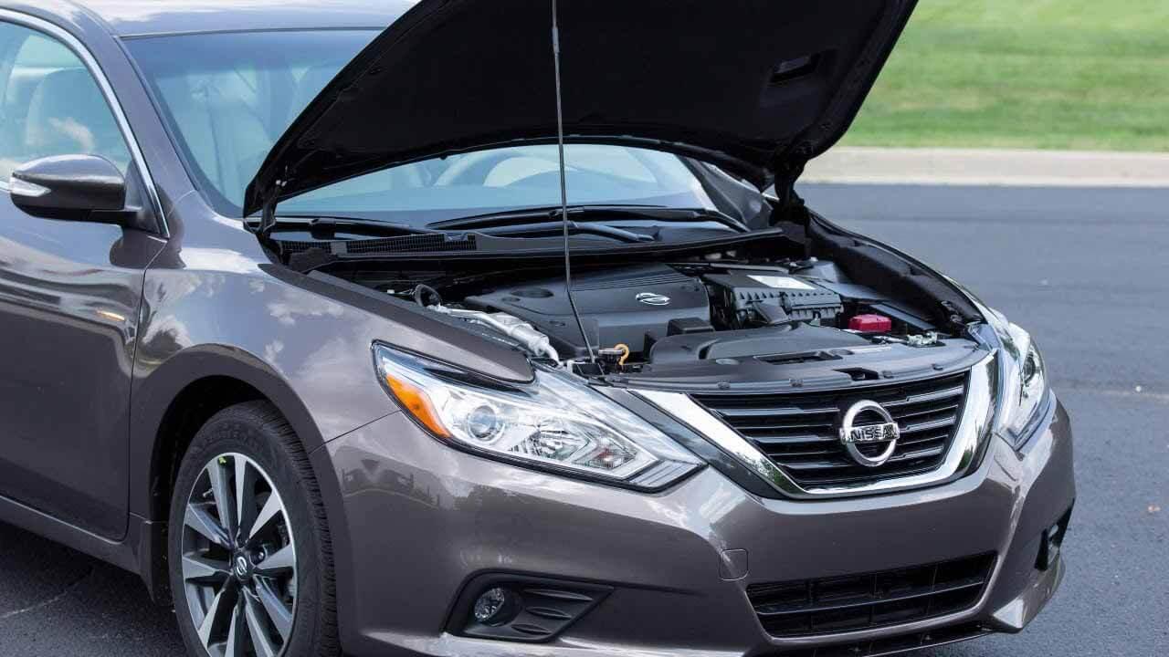 Nissan отзывает 1,9 миллиона автомобилей из-за замка капота, который не знает, как починить