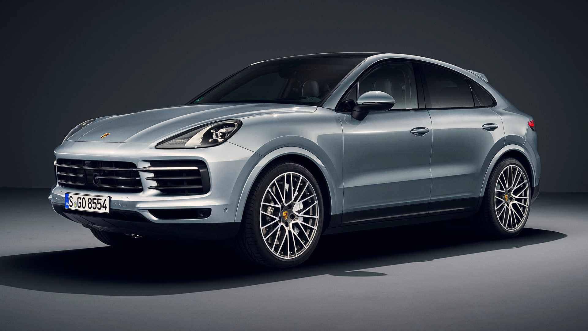 Porsche изменил цены на 4 модели в России