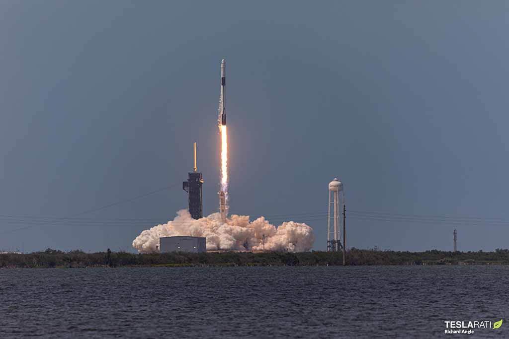 SpaceX, NASA - это свет вдохновения для человечества