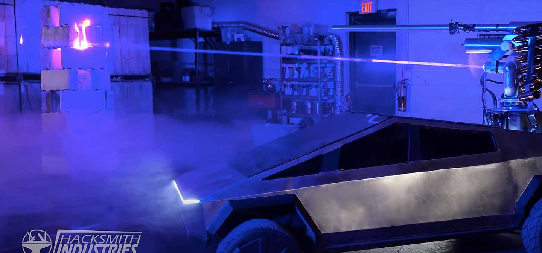 Тесла Кибертрюк в полулегальном масштабе получает лазерную пушку, чтобы стать электрической «военной машиной»