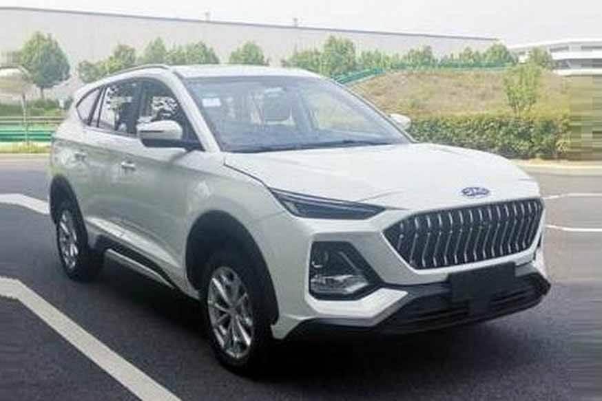 Китайский X8: трехрядный салон и двигатель от более молодого внедорожника (но более мощный)