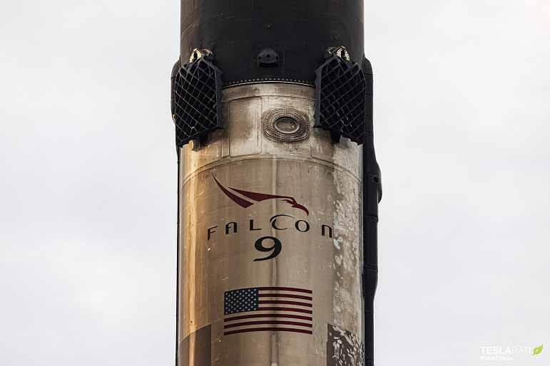 Усилитель настроек записи SpaceX возвращается в порт в отличном состоянии (фото)
