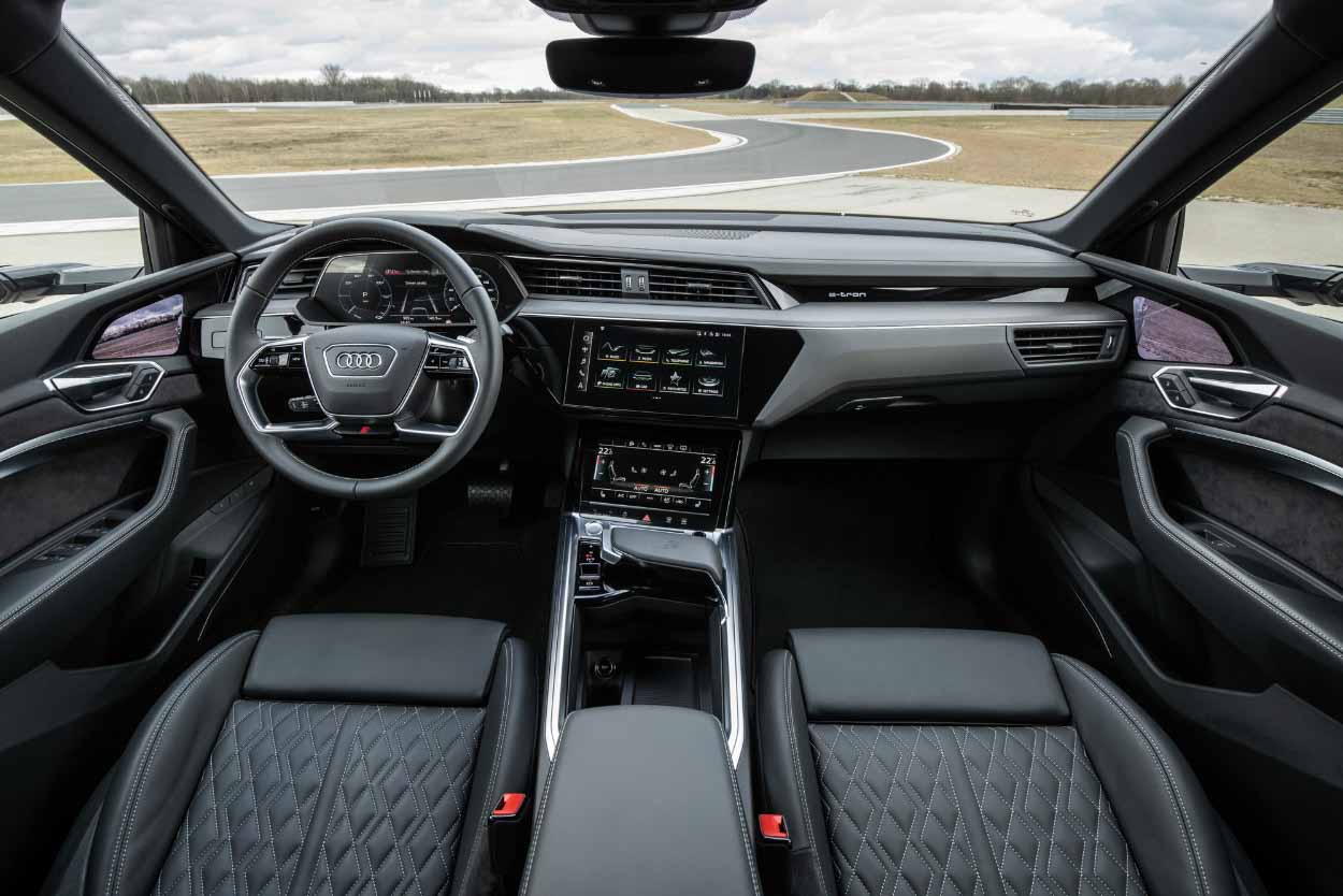 Электрический кроссовер Audi e-tron S