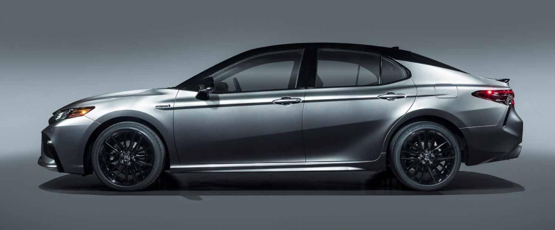 Тойота Камри 2021