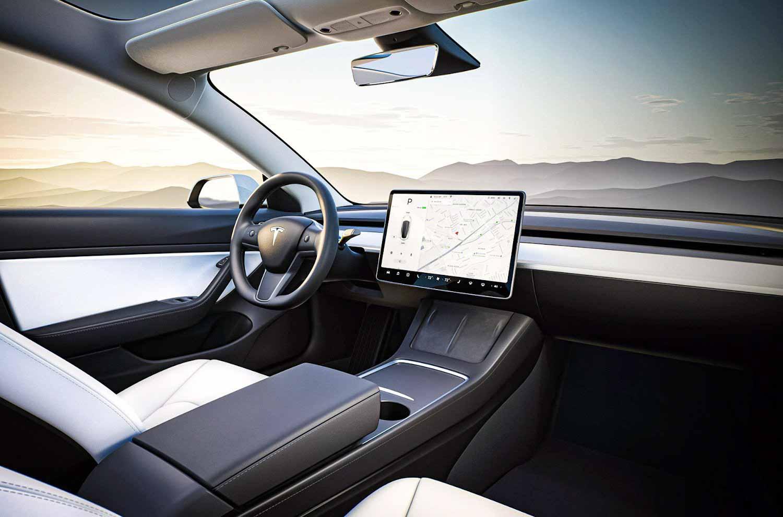 Tesla Model 3 2021 года