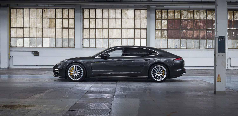 Porsche Panamera 2021 года