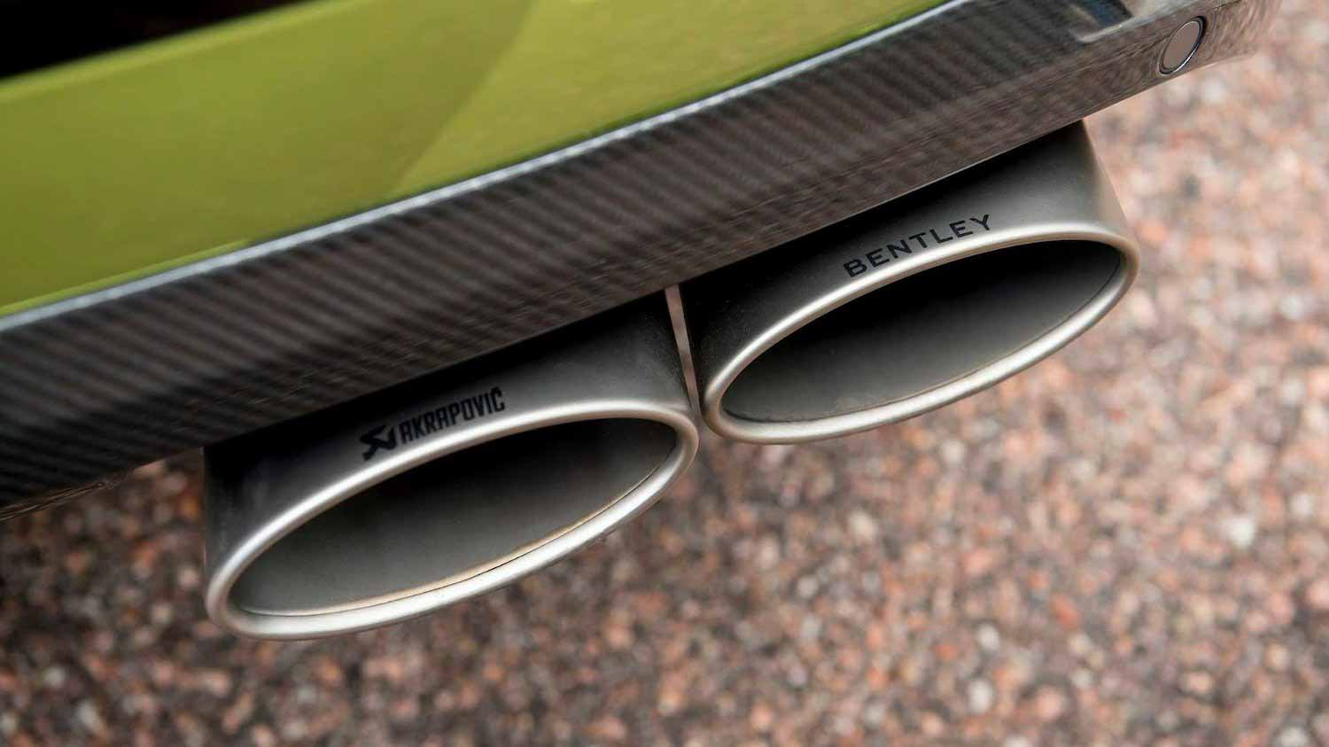 Выхлоп Akrapovic на Bentley Bentayga