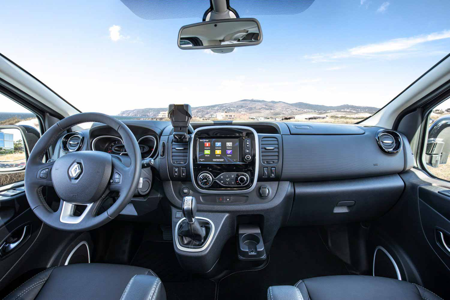 Renault Trafic 2021 год